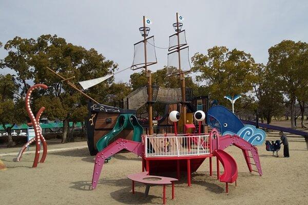 万博公園 遊具 海 船